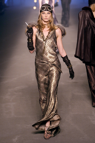 I've always thought aviator goggles would make just the PERFECT evening gown accessory!!!! Apparently Jean-Paul agrees!!